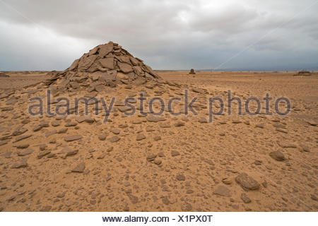 Afar-grave of a civilian, between Afdera and Ertale - Stock Photo