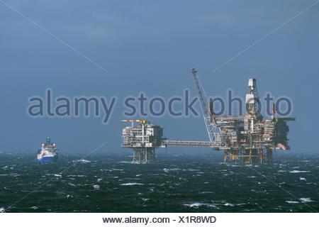 Supply vessel to the rig Britannia, oil exploration, Britiannia Oilfield, North Sea - Stock Photo