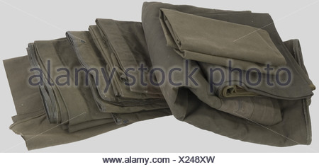 Etats Unis Deuxième Guerre Mondiale, Six bâches de véhicules US, en toile verte kaki renforcée., , - Stock Photo