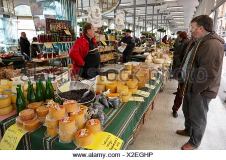 Weekly market, Mercado del Tinglado, Tolosa, Gipuzkoa, Basque Country, Spain. - Stock Photo