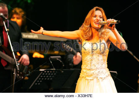 Stefanie Hertel, star guest, 'Volksmusik ist Trumpf' tour, community house, Freital, Saxony, Germany - Stock Photo