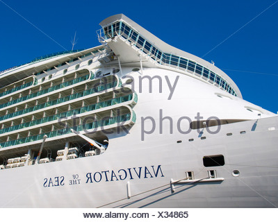 Amsterdam, Kreuzfahrtschiff Navigator of the Seas - Stock Photo