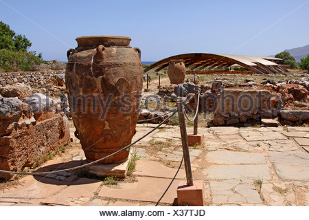 Clay jugs and jars, Malia Palace, Minoan excavations, archaeological excavation site, Heraklion, Crete, Greece, Europe - Stock Photo