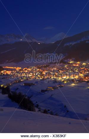 Austria, Europe, Tyrol, uplands, Oberes Gericht, Reschenpass Nauders, border, winter, evening, winter evening, night, dusk, twil - Stock Photo