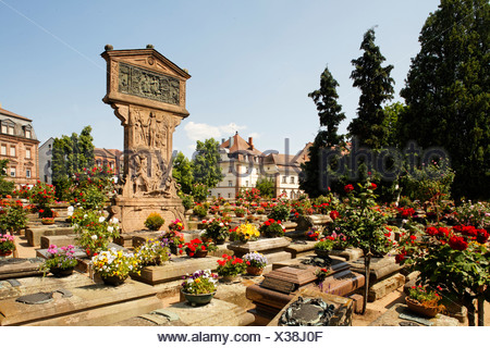 Graves in the Johannis graveyard, St. Johannis area, Nuremberg, Middle Franconia, Bavaria, Germany, Europe - Stock Photo