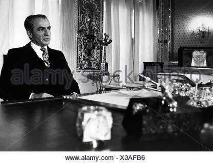 Mohammad Reza Pahlavi, 26.10. 1919 - 27.7.1980, Shah of the Iran 17.9.1941 - 31.3.1979, portrait, at his desk, 1973, Grand King - Stock Photo