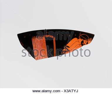 Fragment of a terracotta kylix (drinking cup). Attributed to the Foundry Painter; Period: Classical; Date: ca. 480-470 B.C; Culture: Greek, Attic; - Stock Photo
