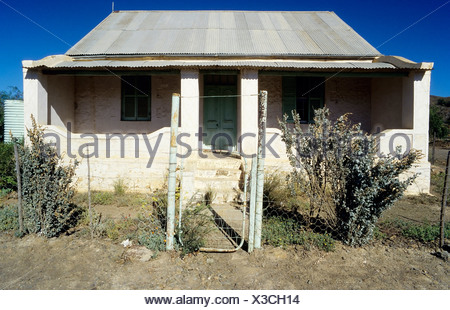 Deserted small house with a corrugated iron roof, Great Karoo, semi-desert region, Cape Province, South Africa, Africa - Stock Photo