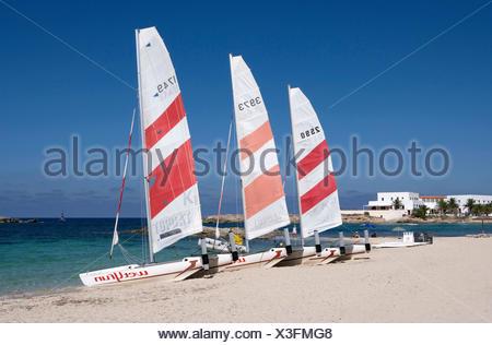 Es Pujols - Touristischer Mittelpunkt der Insel -  Strand - Katamarane - Stock Photo