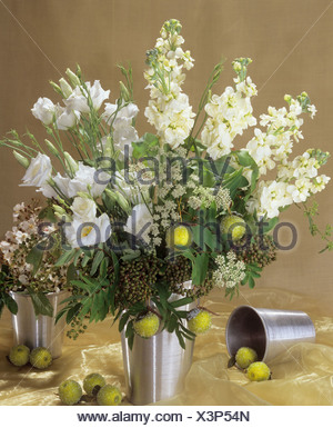 bouquet : stocks, eustoma, berries and apples - Stock Photo