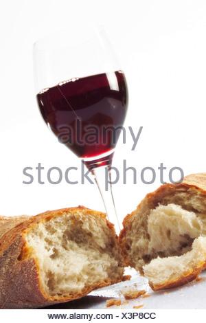 Wein Cc baguette stick brot und wein bakery products pastries