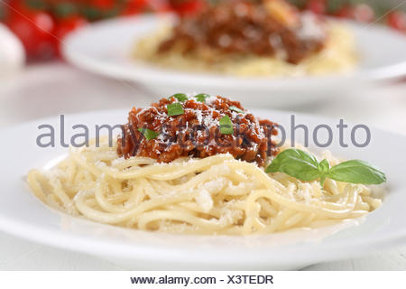 Spaghetti Bolognese Nudeln Pasta Gericht auf Teller - Stock Photo