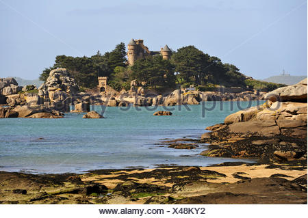 castle and islet of Costaeres, Tregastel, Cotes-d´Armor department, Region of Brittany, France, Europe. - Stock Photo