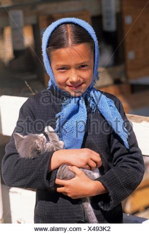 Amish little girl, Lancaster County, Pennsylvania, United States, North America. - Stock Photo