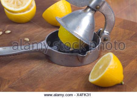 Lemons Lemon Squeezer Press Citron Juice Compressor