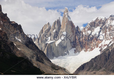 Cerro Torre, 3133m, Los Glaciares National Park, Patagonia, Argentina, South America - Stock Photo