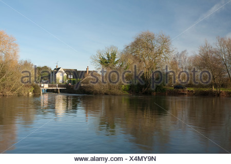 Buscot weir and weirpool on the River Thames, Oxfordshire, Uk - Stock Photo