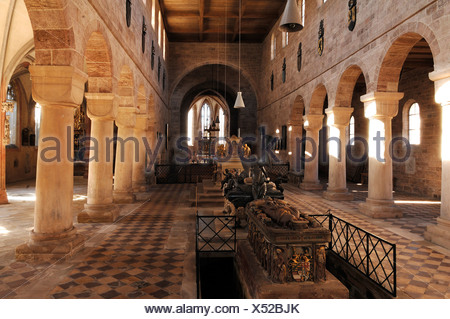 Romanesque nave with the three Hohenzollern tombs and the Gothic aisle, in front the high grave of the electoral princess Anna - Stock Photo