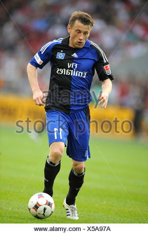 Ivica Olic, German footballer playing for HSV, Hamburger SV, on the ballv - Stock Photo