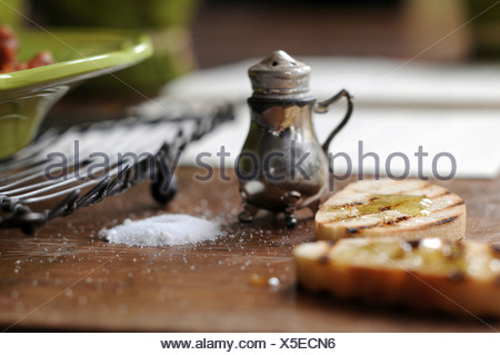 Roasted baguette slices with honey - Stock Photo