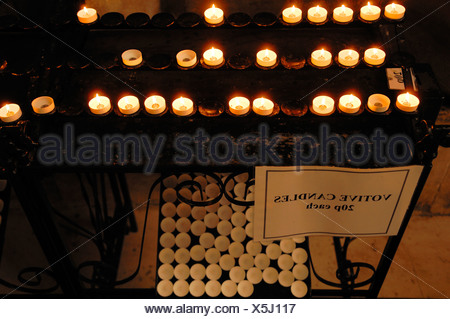 Votive candles in the 'King's College Chapel', King's Parade, Cambridge, Cambridgeshire, England, United Kingdom, Europe - Stock Photo