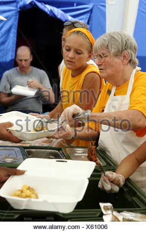 Humanitarian aid for the victims of Hurricane Katrina, Waveland, USA - Stock Photo