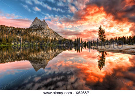 USA, California, Yosemite National Park, Last Light at Cathedral Lake - Stock Photo