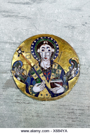 fine arts, religious art, angels, medaillon depicting an angel, byzantine art, gold, 6th /7th century AD, Bayerisches Nationalmuseum, Munich, Artist's Copyright has not to be cleared - Stock Photo