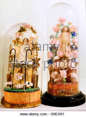 fine arts, folk art, devotional thing, Jesus Christ and Madonna under glass covers, glass, wax, Bavaria / Bohemia, 1st half 19th century, Berchtesgaden, Rupert Stoeckl collection, Munich, Artist's Copyright has not to be cleared - Stock Photo