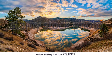 USA, Idaho, Ada, Boise, Lucky Peak, Lucky Peak Reservoir, Heart Shaped lake - Stock Photo