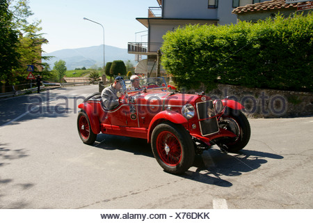 OM 665 Superba, 1929 3, Johann Georg Fendt, Corinna Fendt, vintage car race Mille Miglia or 1000 Miglia, Radicofani, Tuscany - Stock Photo