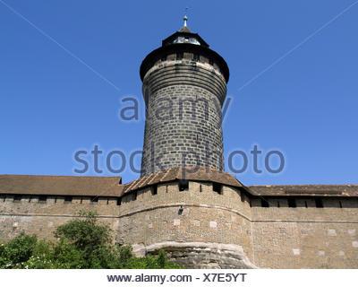 Deutschland, Nuernberg, Burg, Sinwell-Turm, Europa, Bayern, Franken, Mittelfranken, Stadt, Sehenswuerdigkeit, Burganlage, Kaiser - Stock Photo