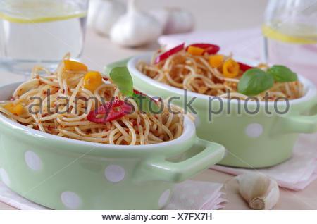 spaghetti aglio e olio e peperoncino - Stock Photo
