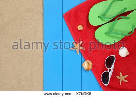 Strand Szene im Sommer und Urlaub in den Ferien mit Sand - Stock Photo