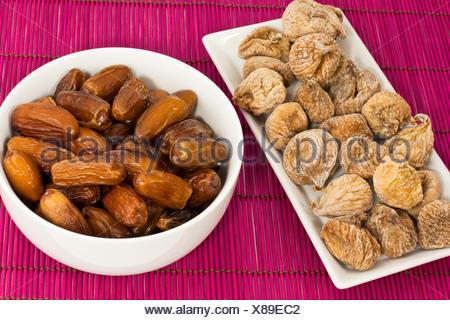 getrocknete Feigen und Datteln, dried figs and dates - Stock Photo