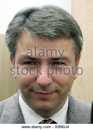Wowereit, Klaus, * 1.10.1953, German politician (SPD), portrait, SPD federal party convent, Estrel, Berlin, 2.6.2002, - Stock Photo