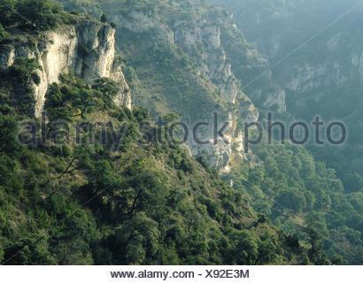Basaura Gorge. Sierra de Loquiz. Navarre. Spain - Stock Photo