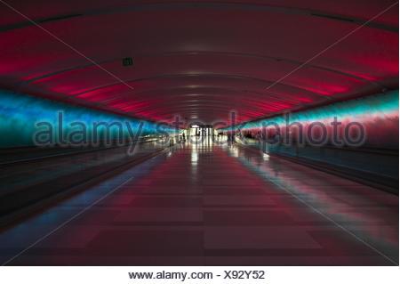 Großzügig Blaue Draht Flughafen Läden Bilder - Elektrische ...