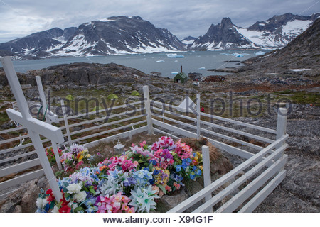 Cemetery, Sermiligaaq, Greenland, East Greenland, flowers, cross - Stock Photo