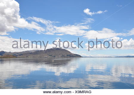 mirroring land realty - Stock Photo