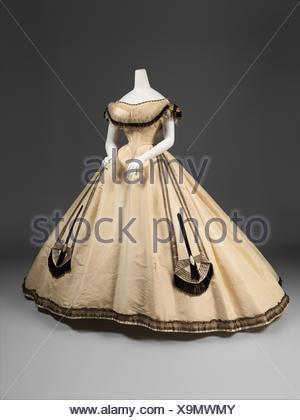 Ball gown. Designer: Emile Pingat (French, active 1860-96); Date: ca. 1864; Culture: French; Medium: silk; Credit Line: Gift of Mary Pierrepont - Stock Photo