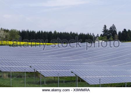 Solarfeld in Niederbayern, Bayern, Deutschland, Europa - Stock Photo