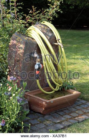 Wasserstelle Im Garten Stock Photo 277897434 Alamy