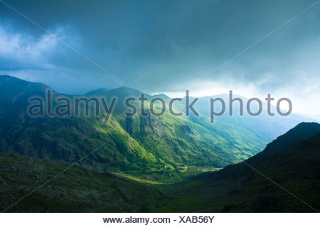 Storm clouds rolling in over Glyder Fawr taken from the Llanberis path close to Clogwyn Station on the slopes of Snowdon, Snowdo - Stock Photo