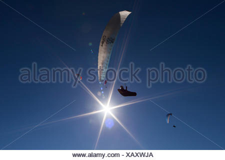 Paraglider, Paraglider, aviation, sun, enjoyment, blue sky, Algodonales, Andalusia, Spain - Stock Photo