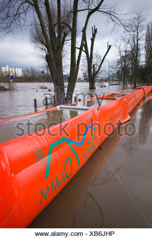 Artificial flood protection dam QUICK DAMM SYSTEM, flooding, Frankfurt, Hesse, Germany, Europe - Stock Photo