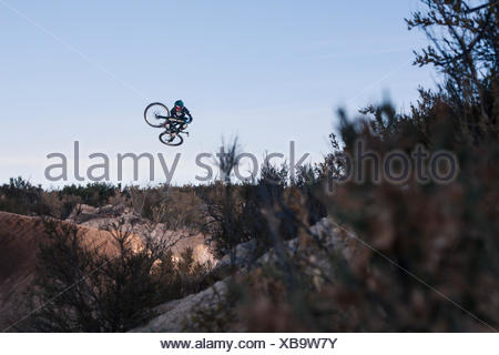 Tyler McCaul rides in the pratice round of the X Fusions Side Flight Championships. San Diego County, CA. Dec 4th 2009. - Stock Photo