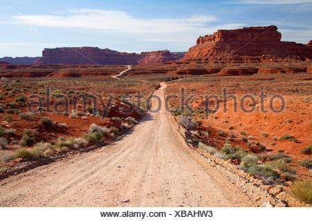 Dirt road, Valley of the Gods, Monticello Field Office Bureau of Land Management, Utah. - Stock Photo