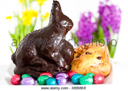 Osterhase und Ostereier, self-made Easter bunny with Easter eggs - Stock Photo
