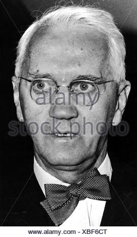 Fleming , Sir Alexander, 5.8.1881 - 11.3.1955, Scottish scientist (bacteriologist), portrait, 1950s, - Stock Photo